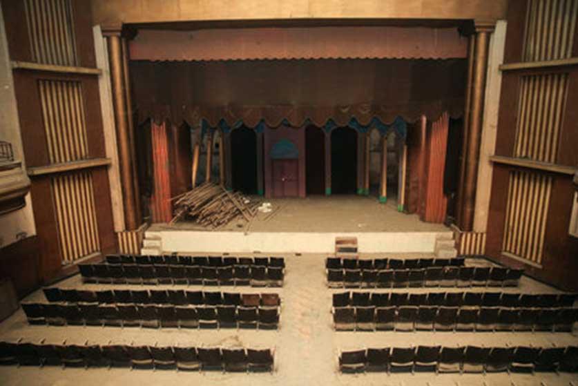 13990402000945 Test NewPhotoFree - قدیمی ترین تماشاخانه های تهران|  از تئاتر موزه تا تلاش بی ثمر خاندان سلطنتی پهلوی برای تئاتر