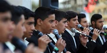 فیلم| همنوایی زائران با گروه سرود در حرم مطهر رضوی