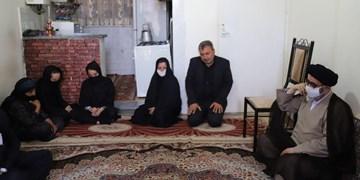 تکریم از خانواده کارگر کارخانه ماشینسازی با حضور امام جمعه تبریز
