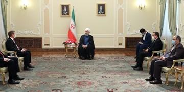 تاکید روحانی بر توسعه روابط تجاری و اقتصادی ایران و مجارستان با تشویق شرکتهای تجاری