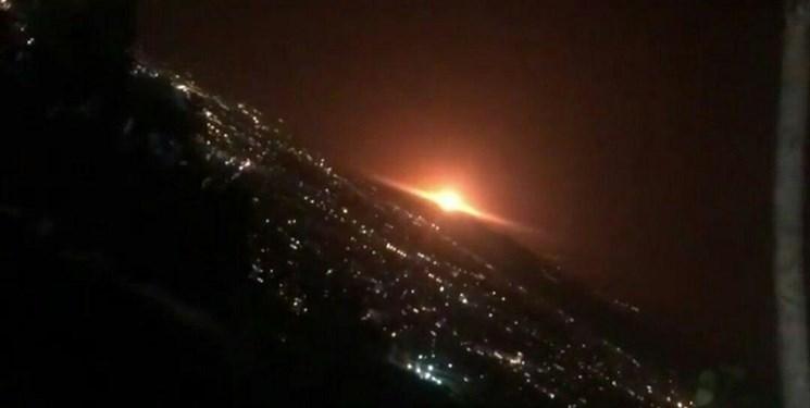 مشاهده نور نارنجی در شرق تهران / یک مخزن گاز صنعتی در محل خالی از سکنه منفجر شد