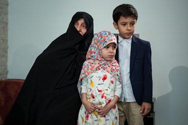 خانواده شهید الله کرم؛ مادر و فرزندان