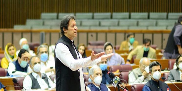 عمرانخان: هند پشت ماجرای حمله به ساختمان بورس کراچی قرار دارد