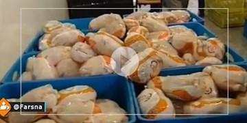 خبری از فروش مرغ با قیمت مصوب نیست!