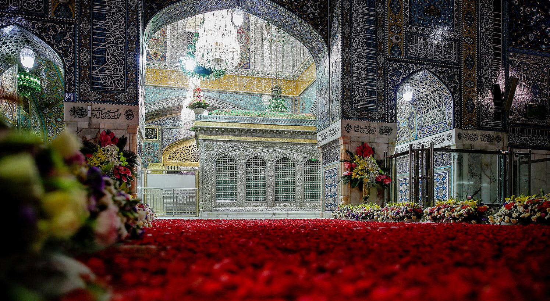 13990412000596 Test NewPhotoFree - گلآرایی و چراغانی حرم امام رضا (ع) با دهها هزار گل و چراغ+عکس