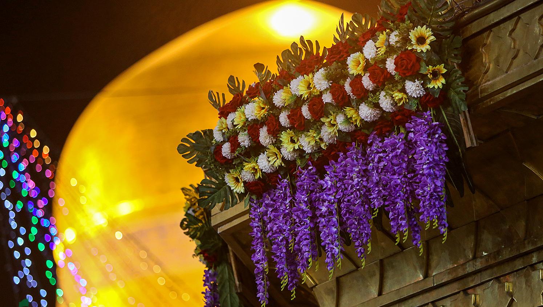 13990412000597 Test NewPhotoFree - گلآرایی و چراغانی حرم امام رضا (ع) با دهها هزار گل و چراغ+عکس