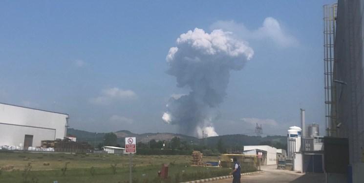 انفجار مهیب در کارخانهای در شمال ترکیه با بیش از ۷۰ مجروح