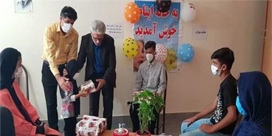 یتیمنوازی با برگزاری جشن تولد در کمیته امداد منطقه یک یاسوج