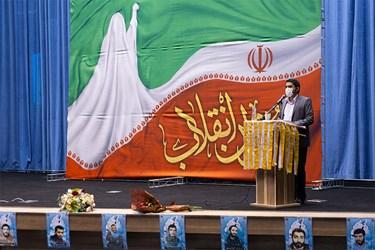مدیحهسرایی  امیر عباسی در مراسم اجتماع مجازی دختران انقلاب