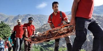 نجات کوهنورد ۴۰ ساله در ارتفاعات بند یخچال