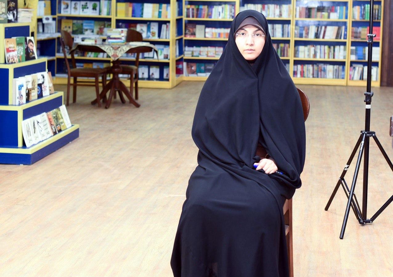 13990421000114 Test NewPhotoFree - کتابی درباره «آزادی» خواهران دربند/ چرا برخی حاضر به مصاحبه نشدند؟