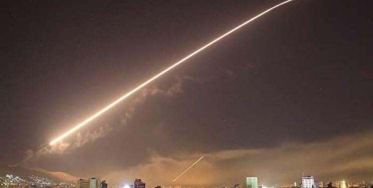 الاخباریه: صدای چندین انفجار پیاپی در آسمان نزدیک «اللاذقیه » سوریه شنیده شد