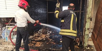 سه مغازه در بازارچه نجفآباد دچار حریق شد