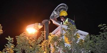 فارس من| تجهیزات لازم برای روشنایی بلوار شهید ذاکری قوچان توسط اداره برق خریداریشده است