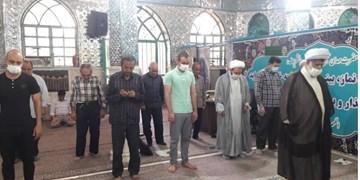 امامزادههای استان تهران همچنان باز است/ برگزاری نماز جماعت در کنار ضریح +عکس