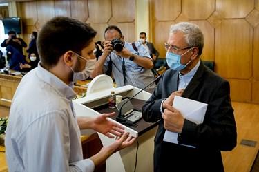 گفتوگوی یکی از خبرنگاران با علی ربیعی سخنگوی دولت در پایان نشست خبری