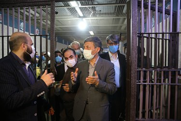 حضور سید پرویز فتاح رئیس بنیاد مستضعفان در زندان بزرگ تهران