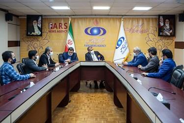 گفتگو علی نیکزاد نائب رئیس مجلس با قائم مقام مدیرعامل خبرگزاری فارس