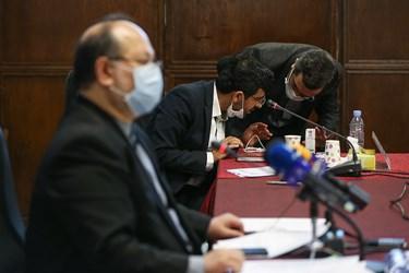 در حاشیه نشست خبری محمد شریعتمداری وزیر تعاون، کار و رفاه اجتماعی