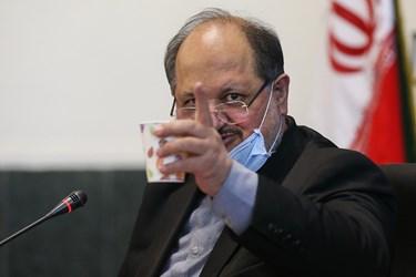 محمد شریعتمداری وزیر تعاون، کار و رفاه اجتماعی