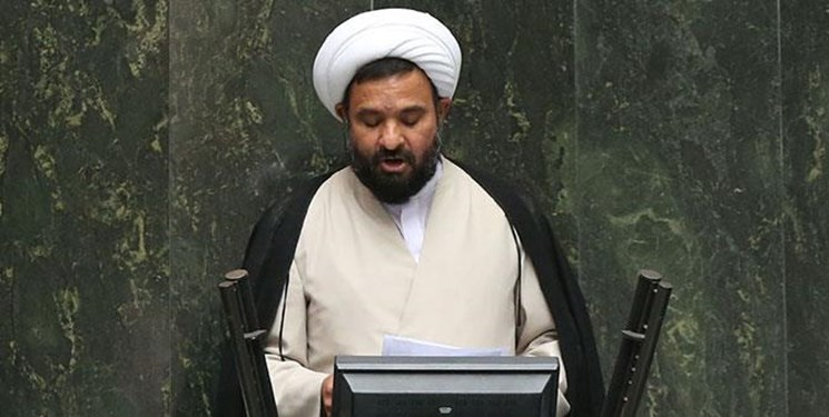 کمیسیون اقتصادی مجلس به دنبال رفع رسوب کالا در گمرکات / تاخیر130 روزه در تعیین وزیر صمت پذیرفتنی نیست
