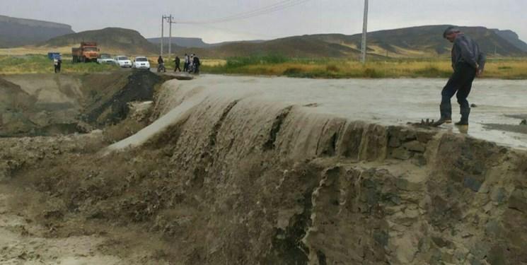 مسدود شدن راه عشایر سهند بر اثر سیل  درمراغه/ قطع آب 26 روستای شهرستان مراغه
