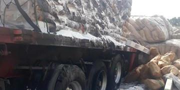 آتشسوزی تریلر حامل ۲۳ تن مواد شیمیایی در ورامین