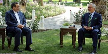 عراقچی در دیدار عبدالله: ایران از تلاشهای صلح در افغانستان حمایت میکند