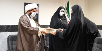 تجلیل از دختران محجبه شهرقدس/ گفتمان سازی در ترویج عفاف و حجاب ضروری است