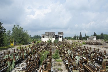 عکس  وضعیت اسفبار کارخانه پوشش