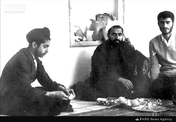 13990428000776 Test NewPhotoFree - دیدار با معلم خصوصی فرزندان شیخ «احمد کافی»/ خانه شیخ، کمیته امداد قبل از انقلاب بود