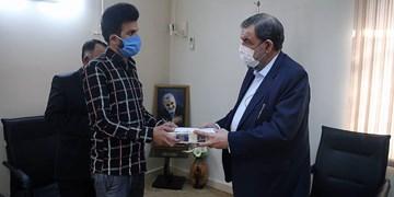 دبیر مجمع تشخیص مصلحت از جوان فداکار حادثه کلینیک سینا تجلیل کرد