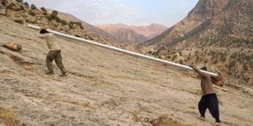 صدای پای آب میآید/ آبرسانی گروه جهادی ثامنالائمه(ع) به روستاهای محروم ایذه