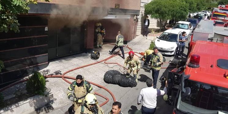 ساختمان 10 واحدی طعمه حریق شد/نجات 16 نفر از شهروندان