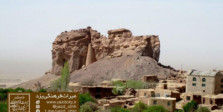 کهنترین قلعه سنگی و کوهستانی یزد مرمت میشود