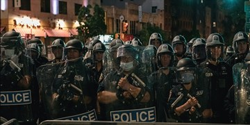 افزایش استقرار پلیس فدرال آمریکا در شهرهای مختلف برای سرکوب معترضان