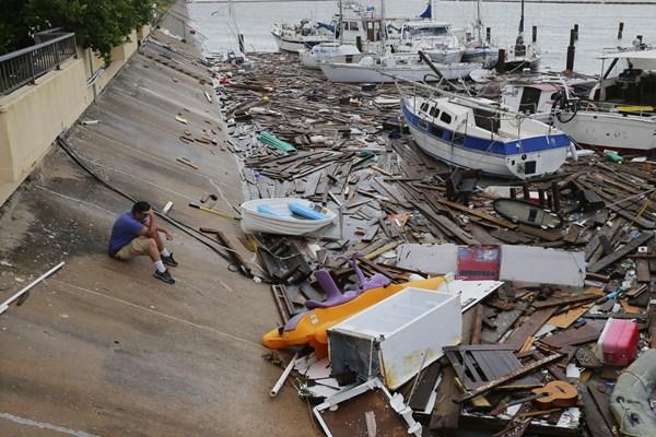 "13990506000185 Test PhotoL - توفان هانا سبب تخریب بخشی از دیوار ""ترامپ"" شد+عکس"