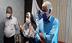 بانوی روستایی در سیرجان خیر درمانی شد/خرید میکروسکوپ با هزینه سفر حج