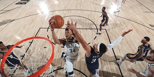 لیگ بسکتبال NBA  پیروزی مدعی قهرمانی با درخشش آنتتوکومپو +عکس