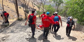 نجات نوجوان سقوط کرده در ارتفاعات کلکچال