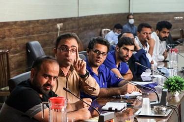 گفتگوی جمعی از کارگران شرکت نیشکر هفت تپه با نمایندگان مجلس