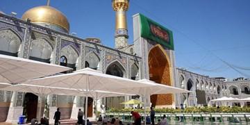 نصب سایهبان در صحنهای حرم امام رضا (ع)+فیلم