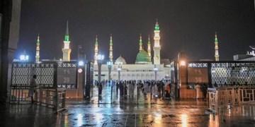 حالوهوای حرم نبوی در شب مبعث پیامبر اعظم (ص) +فیلم