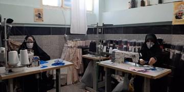 اینجا خستگی معنا ندارد/ برگشت کارگاه تولید ماسک بانوان آملی در آستانه امامزاده ابراهیم + فیلم