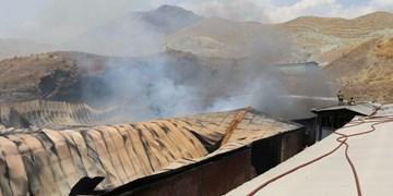 ادامه آتشسوزی گسترده در منطقه صنعتی «کمرد» پردیس