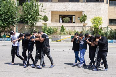 انتقال متهمین دستگیر شده سومین مرحله طرح کاشف پلیس تهران به بازداشتگاه