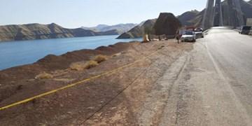 سقوط خودرو پژو پارس به زیر پل لالی