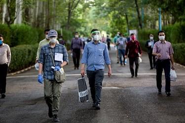 استفاده از شیلد و ماسک جهت مقابله با ویروس کرونا در آزمون کارشناسی ارشد