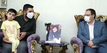 دیدار نماینده تهران در مجلس با خانواده «زهرا عبدالمحمدی»
