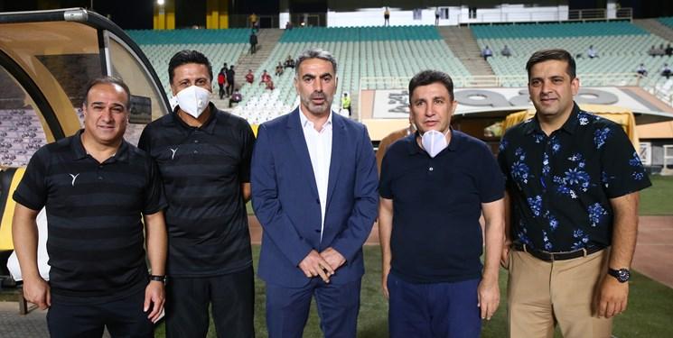 حاشیه بازی سپاهان و نساجی|  عکس دستهجمعی استقلالیها!